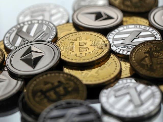 Заработок на криптовалюте с помощью Aivix.com.