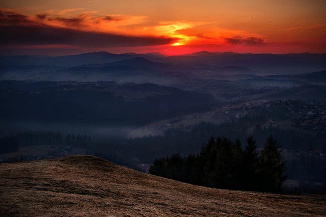 Фотография заката в горах